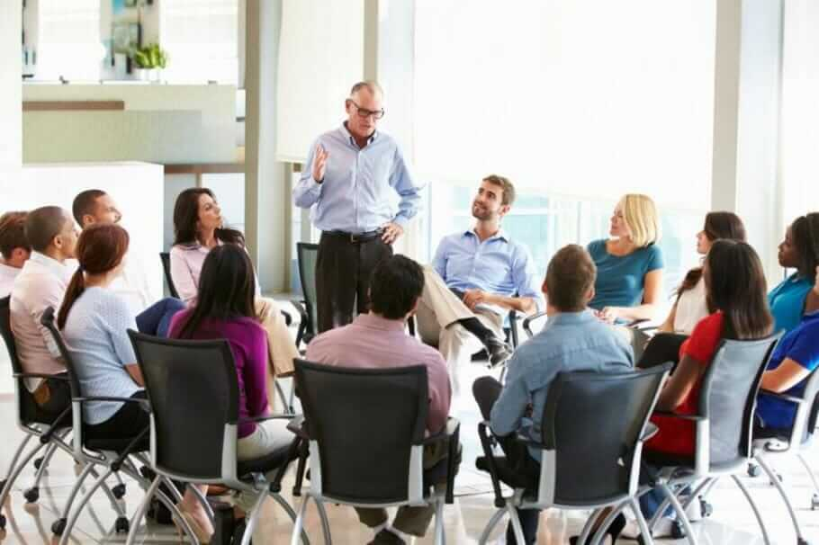 Healthy Leading and Communicating: 5 Leadership Guidance Tips Healthy Leading and Communicating: 5 Tips for Leadership Hierarchies