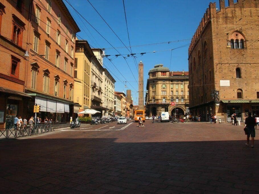 Meetings in the historic old town: MICE location in Bologna {Review} bologna