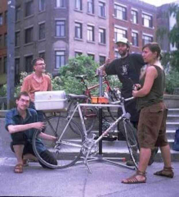 BIO | Mobiles Business als Social Entrepreneur: Quebecs mobile Fahrradwerkstatt fahrrad2