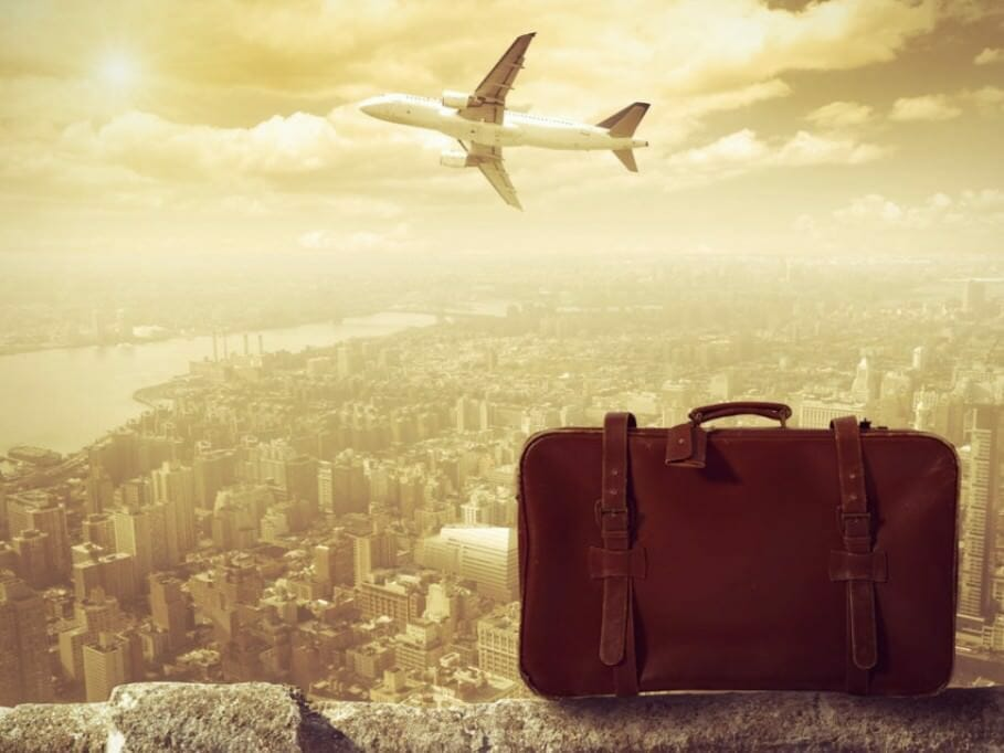 Proper failure: 5 tips what managers can learn from politicians suitcase