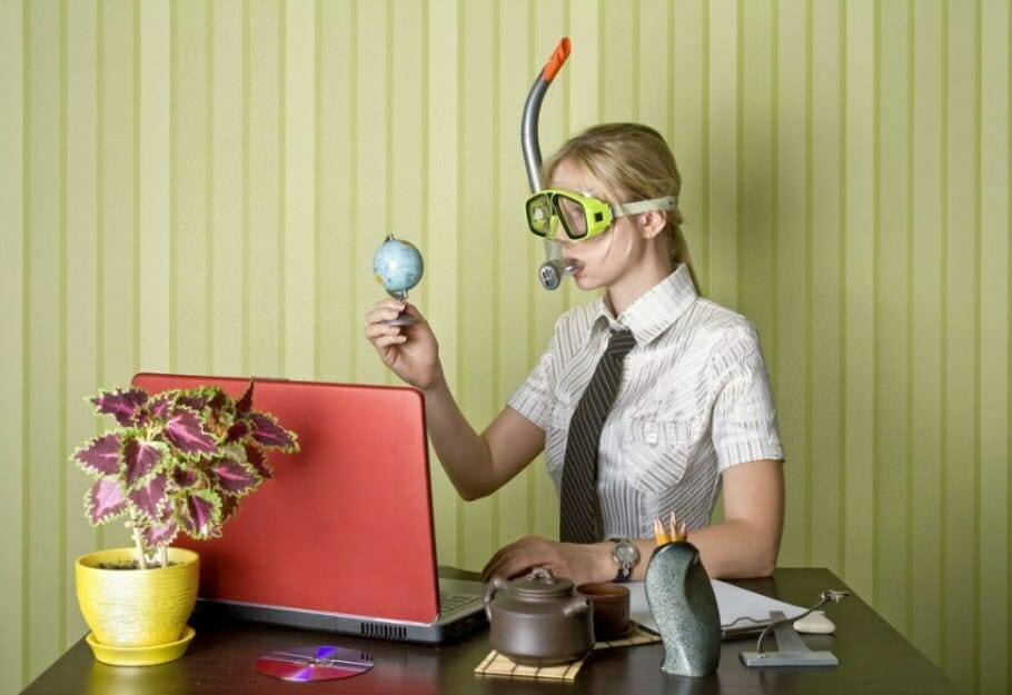 Erfolgsfaktor Humor im Beruf: So fördert Lachen die Karriere – 7 Tipps office-hollyday