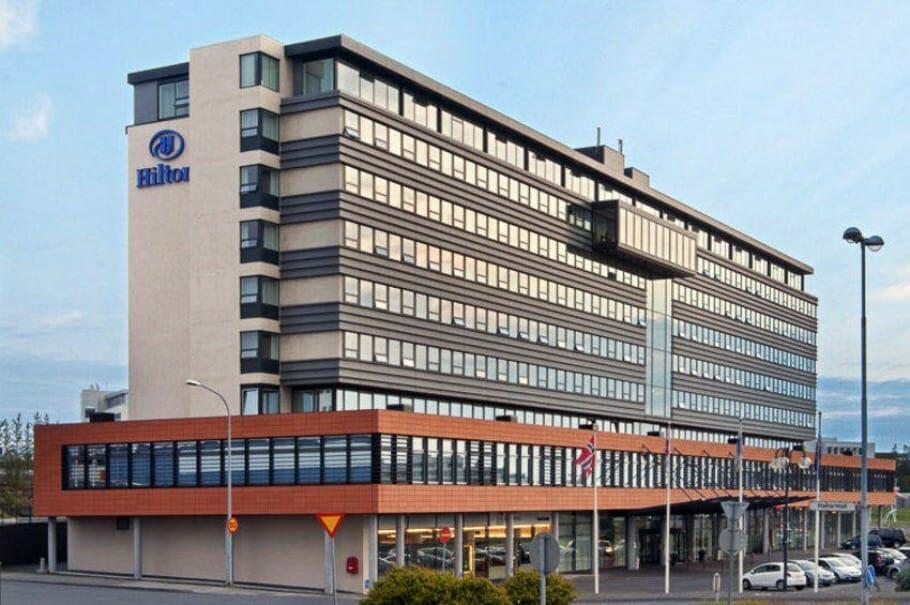 Rekjavik-Hiltonj002