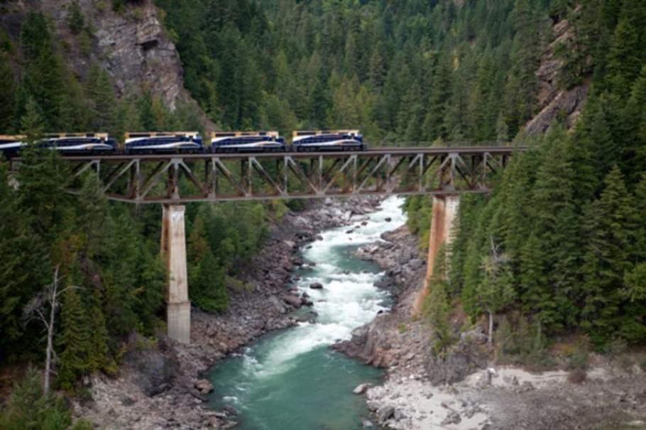 Meeting auf historischer Schienenstrecke: Mit dem Zug durch die Rocky Mountains {Review} Rocky Mountaineer001