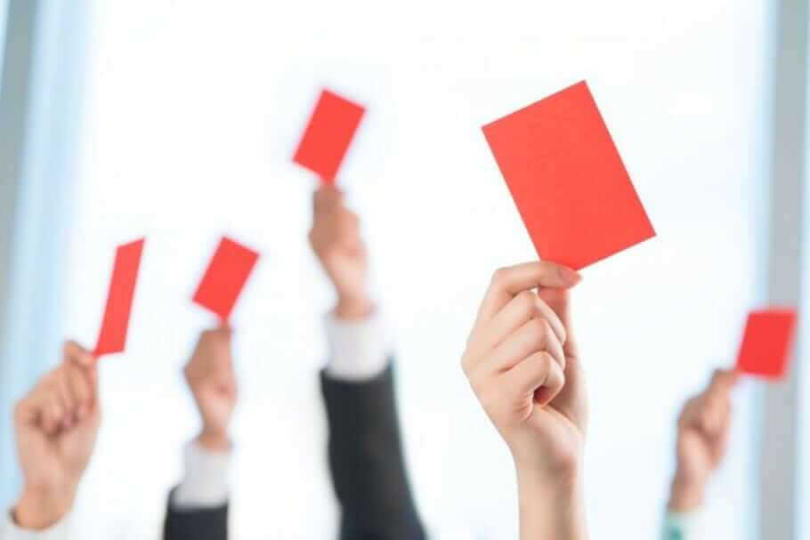 Bullying and bullying in the team: Out of the colleagues hell error culture team