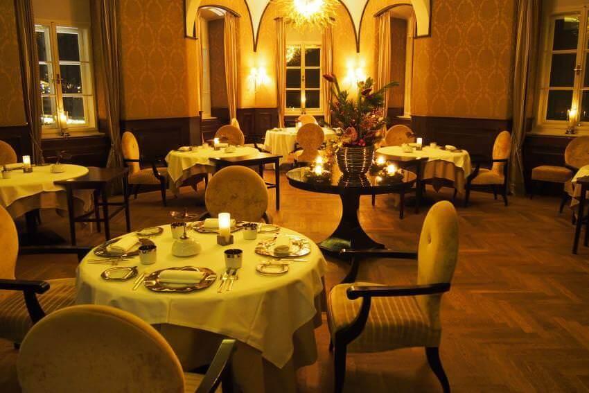Luxus-Meetings im Schlosshotel Velden: MICE in historischer Filmkulisse {Review} Schlosshotel-Velden05