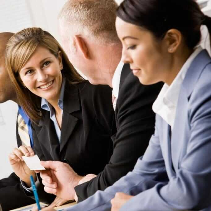 Besser verkaufen durch Networking: Erfolg durch Small Talk
