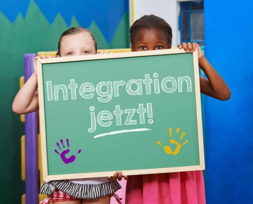 BIO | Integration of Refugees and Working Conditions for Teachers: Integration for Beginners?