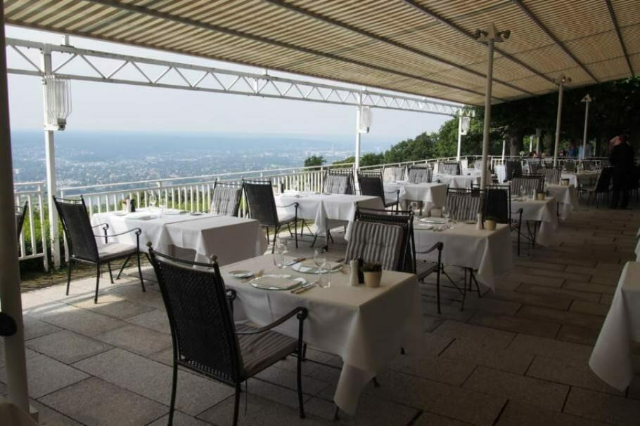 Meetings und Konferenzen in Bonn: Das Bundesgästehaus auf dem Petersberg {Review} bundesgaestehaus-petersberg-bonn_10