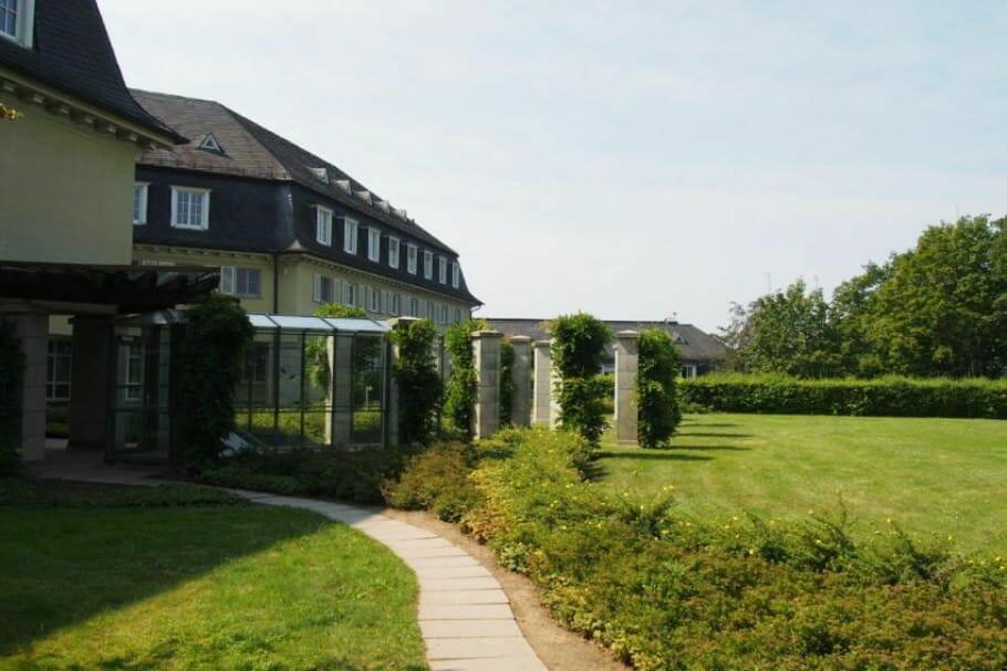 Meetings und Konferenzen in Bonn: Das Bundesgästehaus auf dem Petersberg {Review} bundesgaestehaus-petersberg-bonn_5