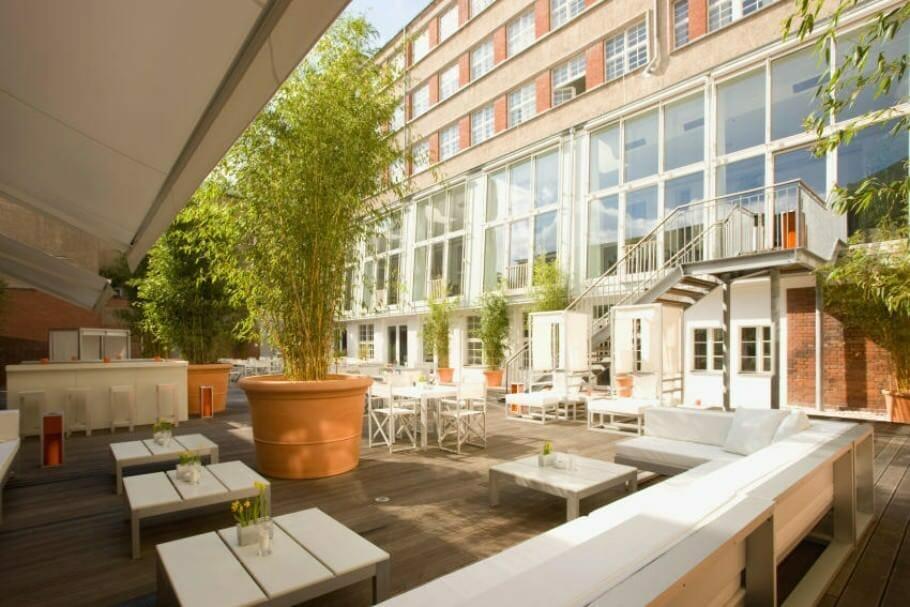 Ellington-Hotel-Berlin-Sommergarten- (c) Stadtwandel Publishing