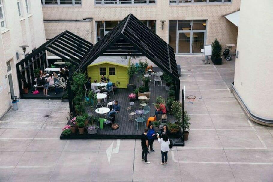 Kreative Arbeitsplatzgestaltung: Die 10 coolsten Büros Deutschlands {Review} Glassdoor_02_Buerofoto_Zalando