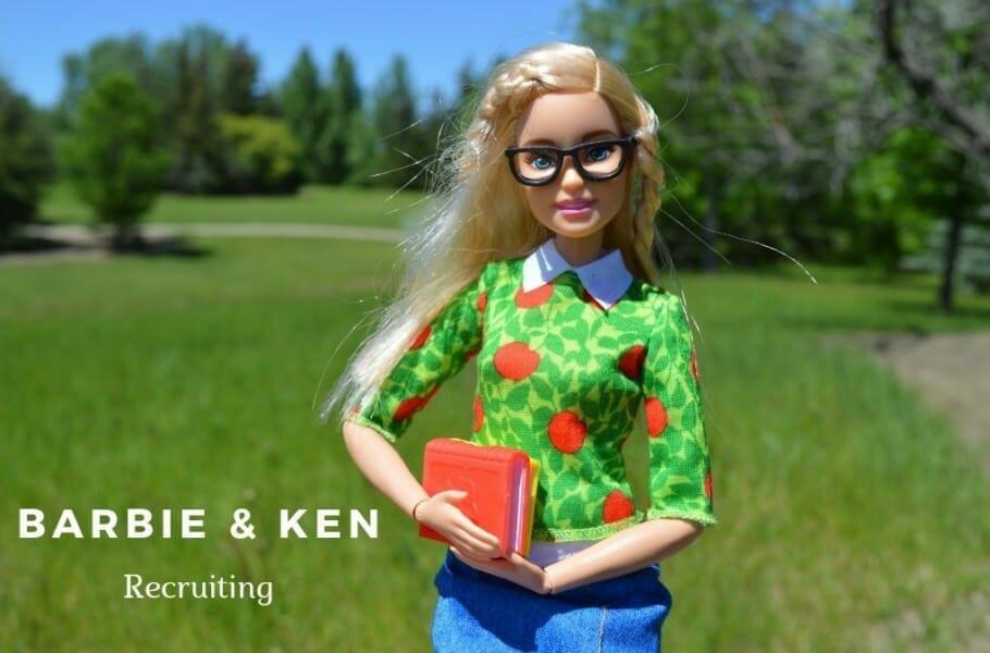 Recruiting vs. berufliche Neuorientierung: Wenn Barbie und Ken Personalentscheidungen treffen Recruiting vs. berufliche Neuorientierung: Wenn Barbie und Ken Personalentscheidungen treffen