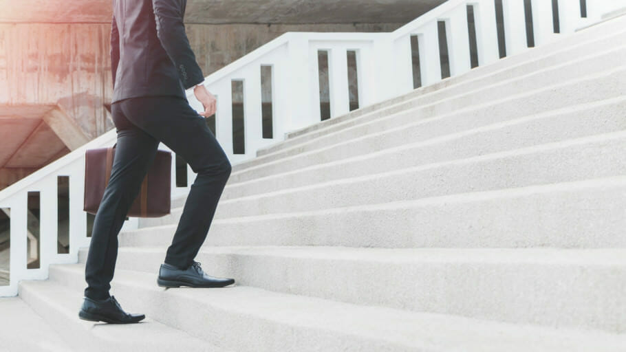Mitarbeiterführung mit Vertrauen: 3 Tipps für einen besseren Führungsstil Mitarbeiterführung mit Vertrauen: 3 Tipps für einen besseren Führungsstil