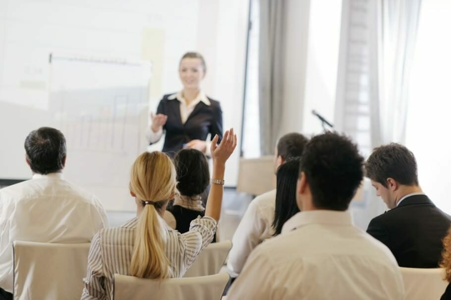 Presenting and Speaking Freely on the Job - 10 Tips: Do Not Be Afraid of Great Speeches Presenting and Speaking Freely on the Job - 10 Tips: Do not be afraid of big talk