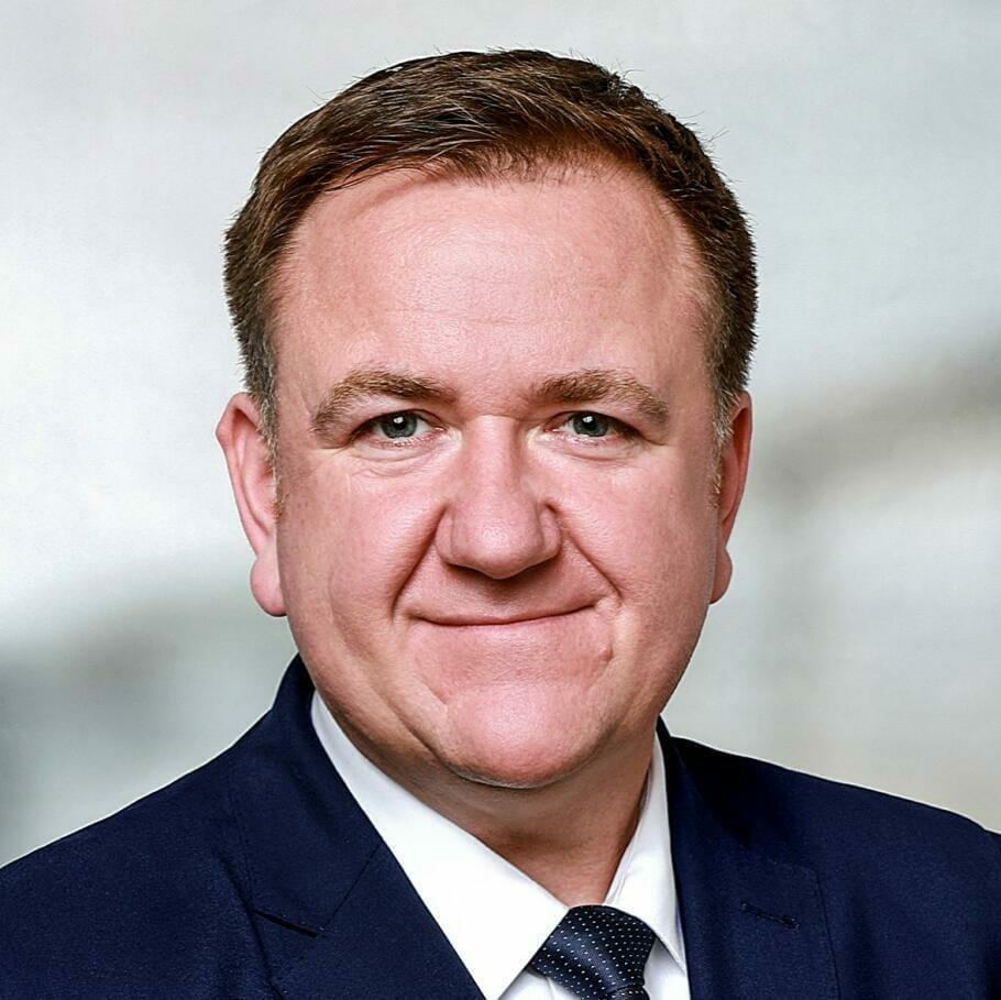 TALK | Michael Schuster, CEO Mühlenhoff by Randstad RiseSmart: Personalumbau in schwierigen Zeiten
