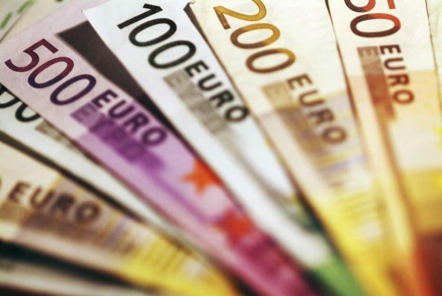 Finanzielle Intelligenz macht reicher als Geld und Sparsamkeit